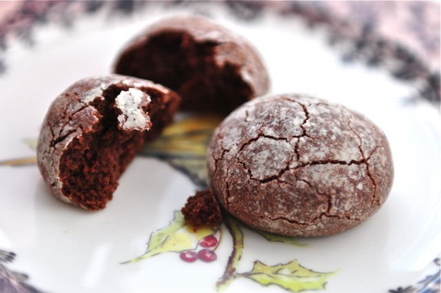 CHOCOLATE CRINKLE COOKIES – Atlantis Home